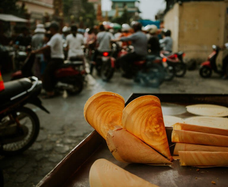 Experience life in Phnom Penh
